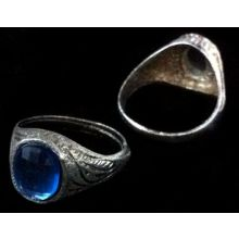 Beautiful Ring with Blue Stone - Diameter 1,5 cm