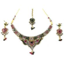 Four-piece Jewellery-Set (Earrings, Necklace & Tikka)
