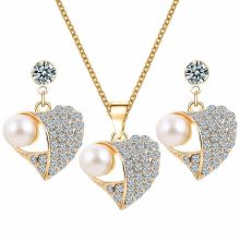 2 piece jewelry set in Heart Shape (earrings, chain)
